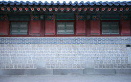 vägg för gammal stil för hus koreansk Royaltyfria Bilder