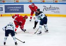 V Bobrov (38) contra R Lyuduchin (88) en cara a cara Foto de archivo libre de regalías