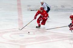 V Bobylyov (47) dribbling Fotografering för Bildbyråer