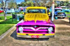 V8 dipinto abitudine prende il camion fotografia stock