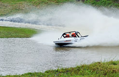 V-8 jetsprint竞争者种族快速快艇赛跑 免版税图库摄影
