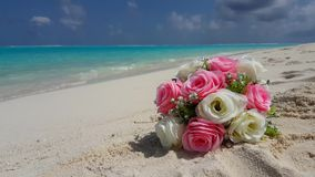 V00521 Maldives beautiful beach background white sandy tropical paradise island with blue sky sea water ocean 4k bouquet Stock Photos