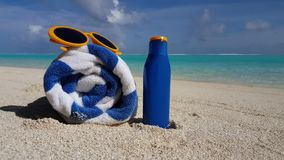 V00713 Maldives beautiful beach background white sandy tropical paradise island with blue sky sea water ocean 4k yellow Royalty Free Stock Images