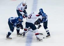 V Nedorost (13) contre I Shipov (98) Images stock