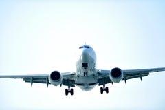 Vôo do avião Fotografia de Stock
