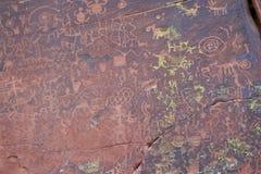 V pétroglyphes de site d'héritage du bar V photographie stock