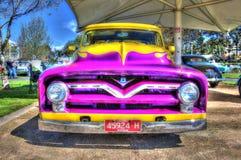 V8 peint par coutume prennent le camion Image libre de droits