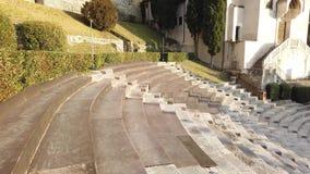V?rone, Italie Le th??tre romain de V?rone est un th??tre romain antique au centre de la ville le long du fleuve Adige banque de vidéos