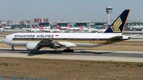 9V-SVL Сингапоре Аирлинес, Боинг 777-200 стоковые фото