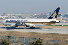 9V-SVN Singapore Airlines, Boeing 777-212ER Royaltyfria Foton