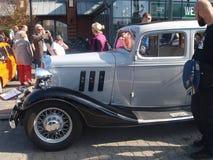 V vieille voiture de rassemblement Images libres de droits