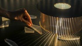 V?xelverkande utl?ggning i vetenskapsmuseum - effekt av refraktion arkivbilder