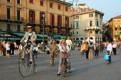 va à vélo vieux Photographie stock libre de droits