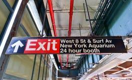 8va estación de metro del oeste de la calle - Brooklyn, NY Foto de archivo libre de regalías