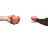Va il vegano! Concetto del veganismo Dieta del vegano Mano umana con la mela Fotografie Stock Libere da Diritti