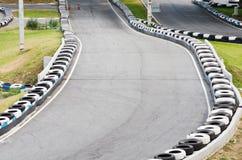 Va la pista di corsa di Kart. Immagini Stock
