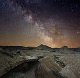 Vía láctea sobre el desierto Foto de archivo libre de regalías