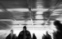 Vaag in-cameraeffect van mensen Stock Foto's