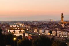Vaag unfocused panorama aan de rivier Arno royalty-vrije stock foto's