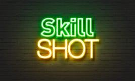 Vaardigheid geschoten neonteken op bakstenen muurachtergrond Stock Fotografie