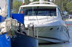 Vaart onderaan Vastgelegd Jacht Stock Foto