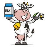 A vaca alegre guarda a flor e o leite de empacotamento Imagem de Stock