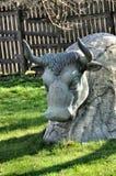 Vaca de pedra da estátua foto de stock