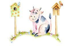 Vaca linda de la historieta de la acuarela que se sienta en un prado cerca de las casas del pájaro, de los pequeños pájaros y de  ilustración del vector