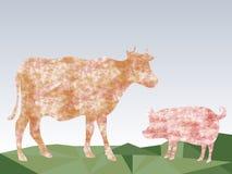 Vaca y cerdo hermosos en fondo abstracto de los triángulos del prado Foto de archivo libre de regalías