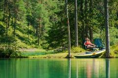 Vacaciones con el kajak imagen de archivo