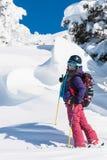 Vacaciones de invierno, esquí y snowboard activos Imagenes de archivo