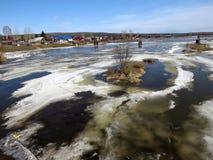 Vacaciones de primavera en el río Chusovaya Foto de archivo