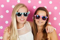 Vacaciones de verano adolescentes de las muchachas Fotografía de archivo libre de regalías