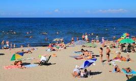 Vacaciones de verano en la playa arenosa del mar Báltico Fotografía de archivo libre de regalías