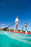 Vacaciones tropicales de la familia Imagen de archivo libre de regalías