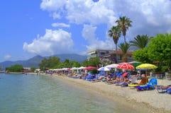 Vacances détendant à la belle plage photo stock