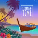 Vacances d'été de mer de coucher du soleil de bateau Ciel arénacé de coucher du soleil de rose de côte de loisirs romantiques de  Photos libres de droits