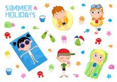 Vacances d'été - illustration adorable - enfants et plage Photos stock