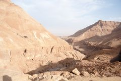 Vacances dans le paysage de désert de Judean de l'Israël Photographie stock libre de droits