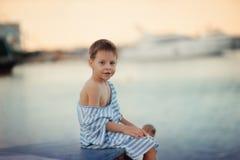 Vacances de garçon de carlingue Photographie stock libre de droits