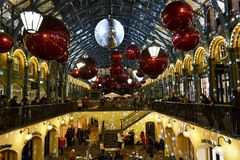 Vacances de Noël à l'espace de restaurant de Covent Garden, Londres, R-U photo stock