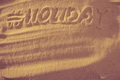 Vacances de Word avec le hashtag Été dans le signe de symbole de sable photo libre de droits