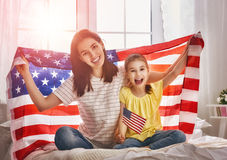 Vacances patriotiques et famille heureuse Photographie stock