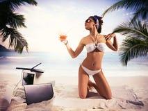 Vacances pour la femme d'affaires photo stock