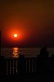 Vacances sur le rivage de coucher du soleil Images libres de droits