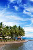 Vacances tropicales de ressource par la plage Photos libres de droits