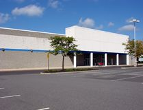 Vacant Abandoned Big Box Store Empty Parking Lot Royalty Free Stock Photos
