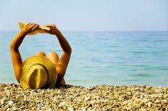 In vacanza alla spiaggia Immagini Stock