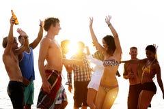 Vacanza della spiaggia che gode del concetto di rilassamento di festa fotografia stock libera da diritti