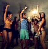 Vacanza della spiaggia che gode del concetto di rilassamento di festa immagini stock